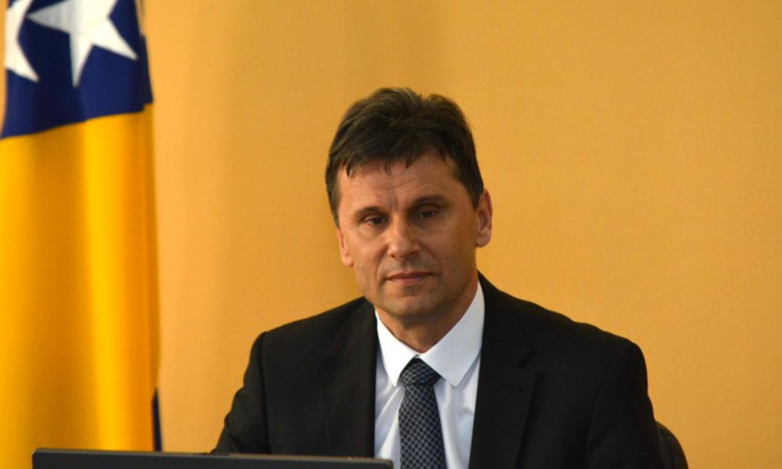 Novalić: Kontrolišu se putnici na sarajevskom i tuzlanskom aerodromu