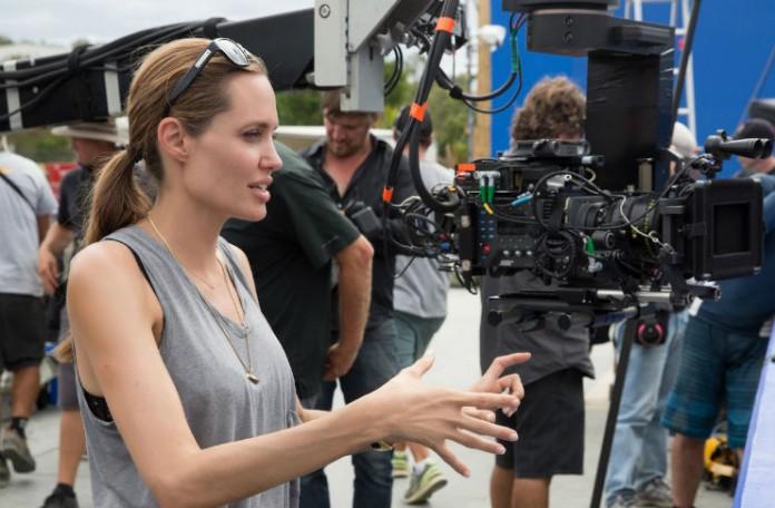 Angelina Jolie: Jake žene oblikuju muškarci oko njih