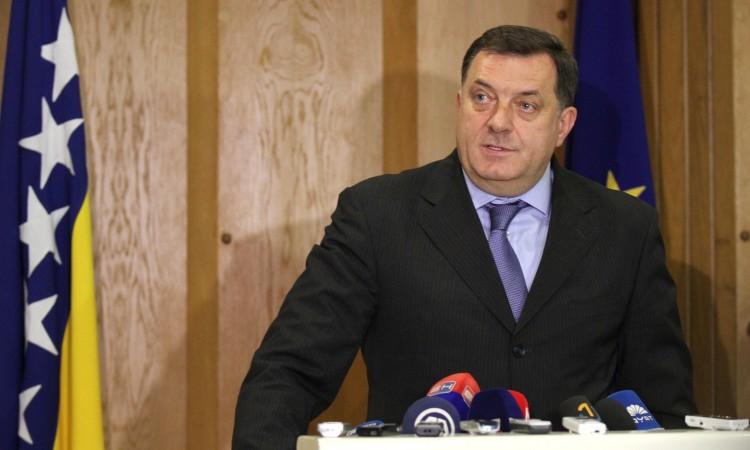 Dodik: Vlast će stati na stranicu i po papira