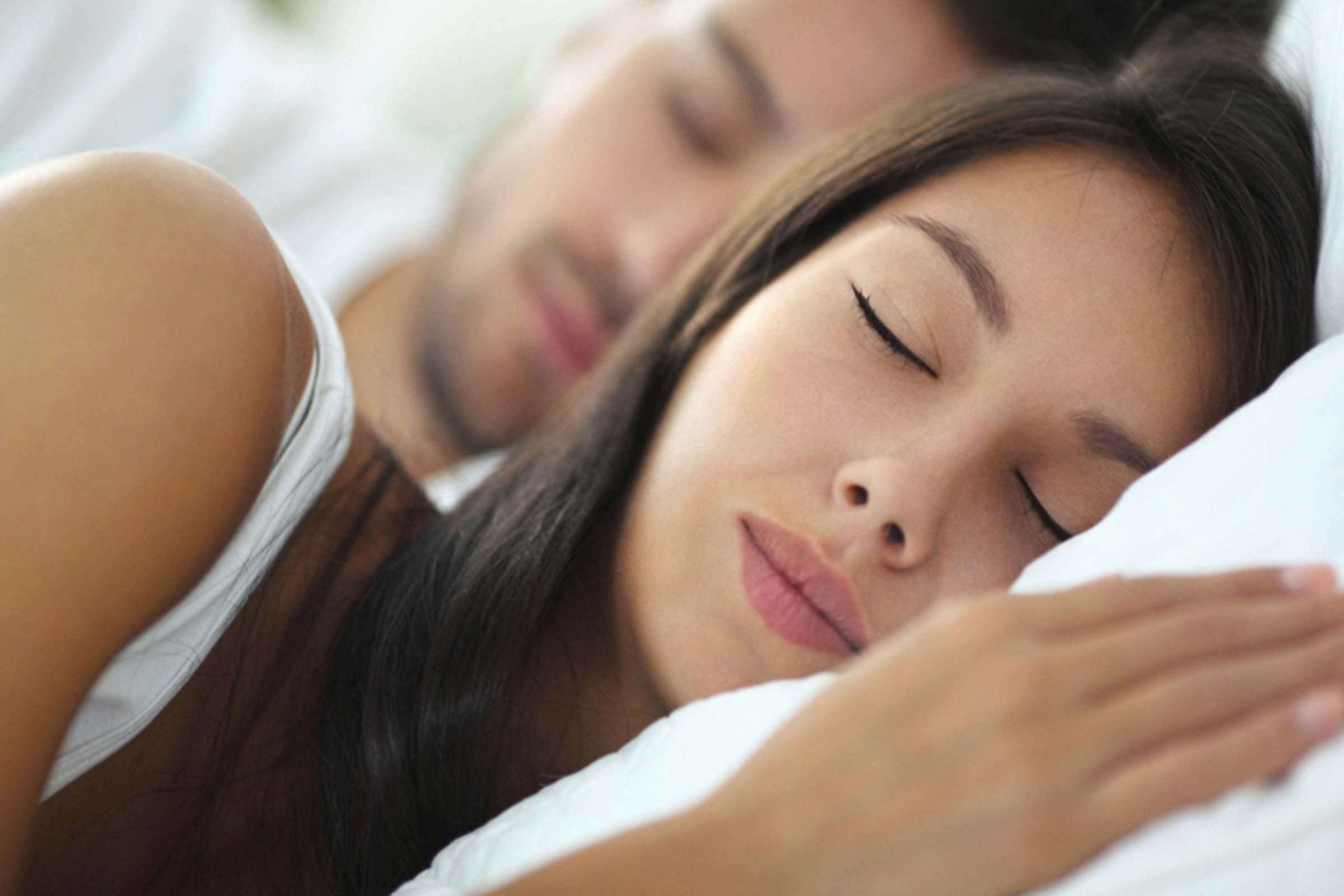 Znate li zašto je ženama potrebno da spavaju duže od muškaraca?