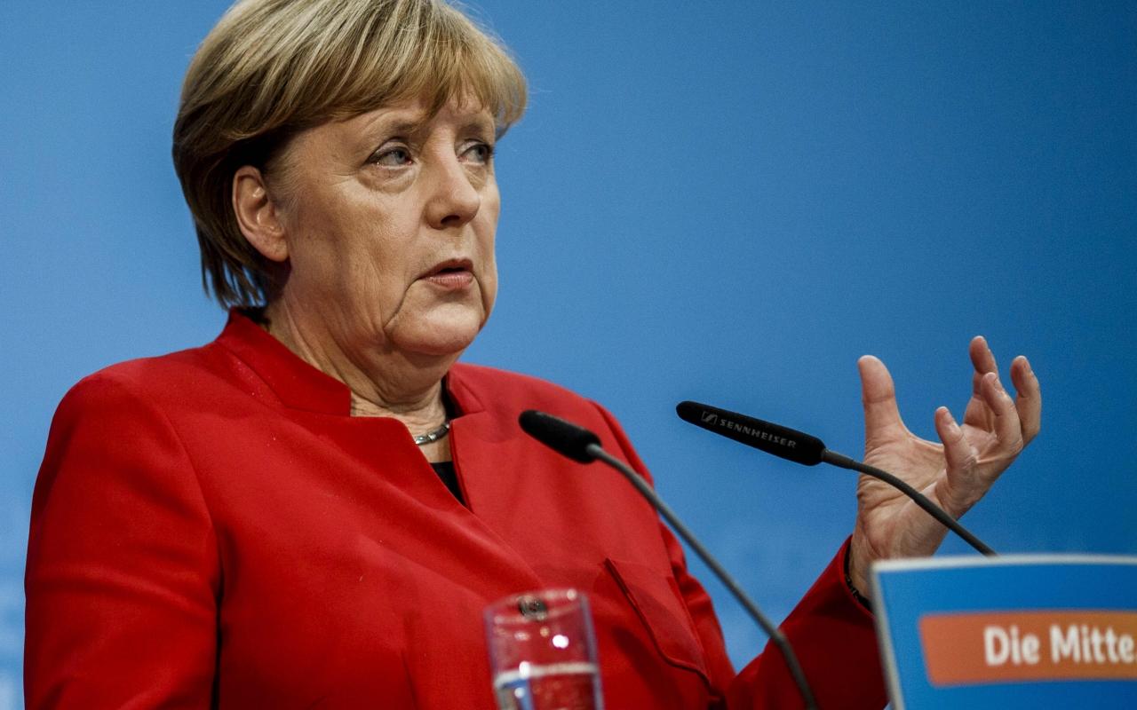 Merkel odbacila izjave Macrona da je NATO ¨klinički mrtav¨