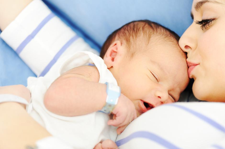 Ekcem ili alergija na hranu, kako prepoznati osip kod bebe?
