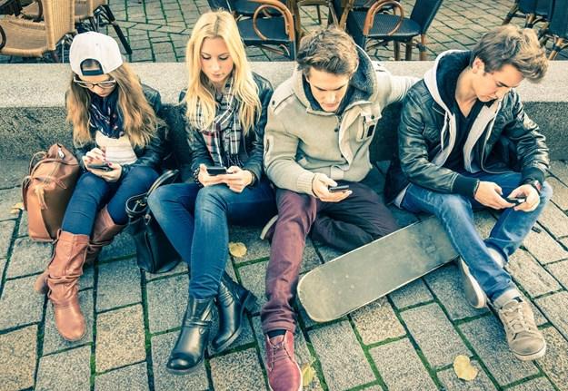 Jeftinije telefoniranje: Od danas stupa na snagu odluka o nižim cijenama roaminga u regionu