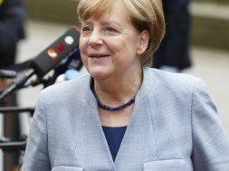 Merkel_u_Briselu_Xinhua
