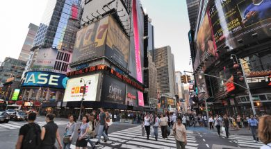 new-york-pedestrians-intersection-busy-cropped