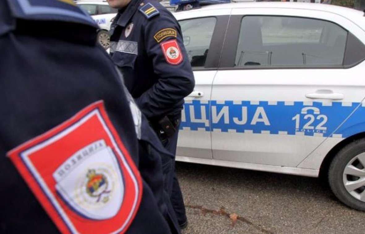 Uhapšeni inspektor policije RS tvrdi da je prevozio oružje i eksploziv od punca