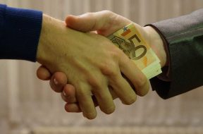 korupcija-mito_pixabay