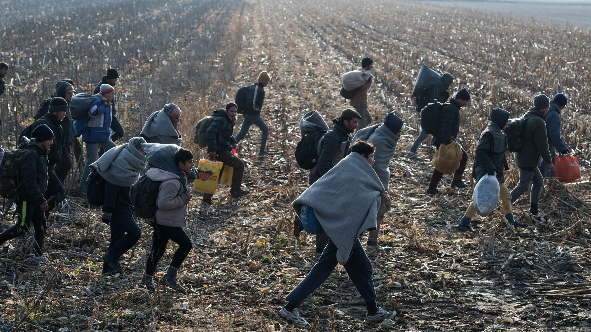 Migranti spavaju pod otvorenim nebom, a zima je sve bliže