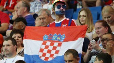 Hrvatski-navijaci-na-tribinama-u-Rusiji-zdusno-podrzavaju-vatrene_ca_large