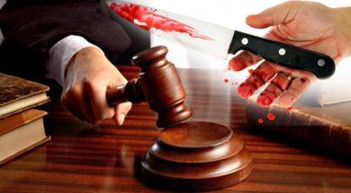 sudija-cekic-krvav-noz