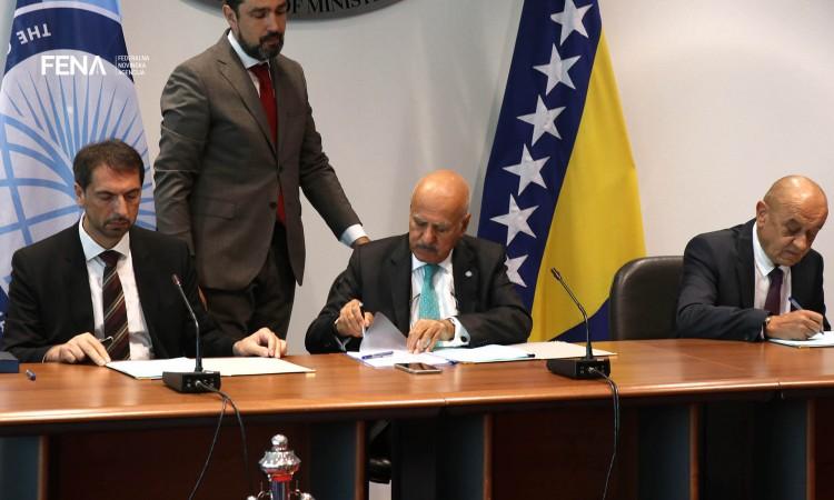 Potpisan sporazum: Kredit od 47,6 miliona eura za izgradnju poddionice na Koridoru 5C