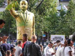 Tayyip Erdogan statue at art exhibition Wiesbaden Biennale