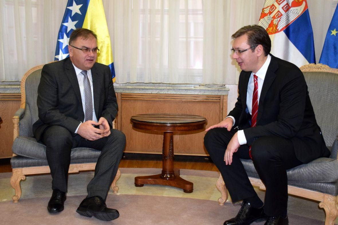 Vučić i Ivanić: Jačati političke odnose i ekonomsku saradnju