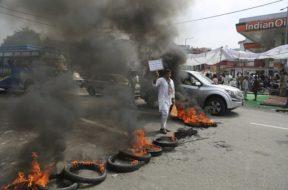 indija-696×456 protest