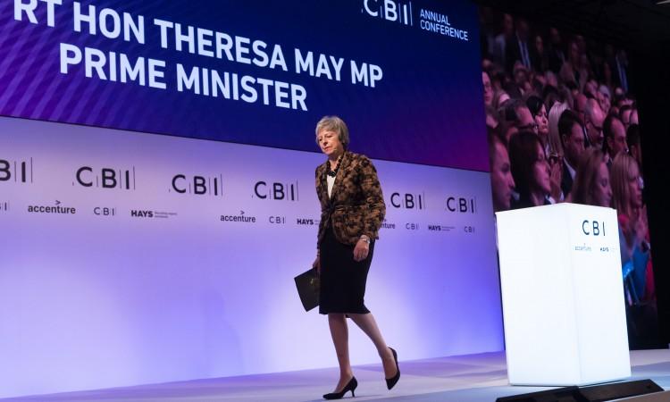 May: Moj sporazum ili nema Brexita