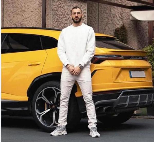 Benzema na Instagramu pokazao Lamborghini Urus