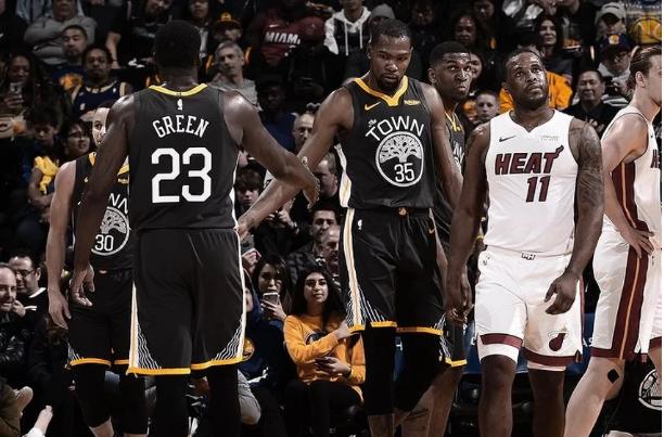 Warriorsi pobijedili Heat nakon zaostatka od 19 poena i velike drame