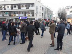 Građani Bihaća protestovali zbog situacije s migrantima