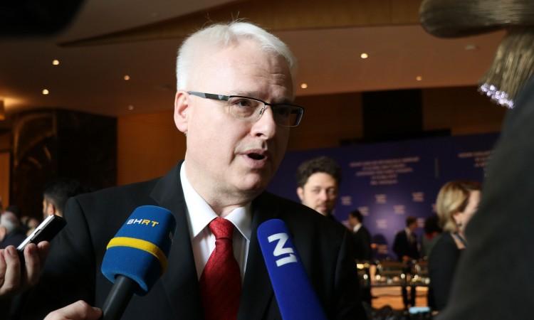Josipović: Temeljito provjeriti navode o vrbovanju selefija