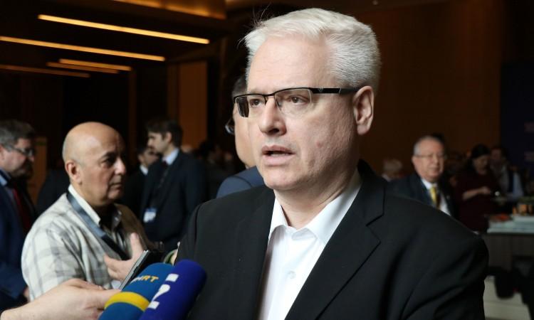 Josipović: Manifestacija fanatizma i ludila