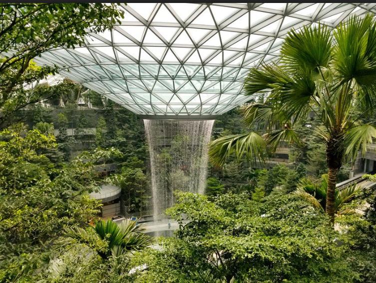 Najveći zatvoreni vodopad na svijetu nalazit će se na aerodromu u Singapuru