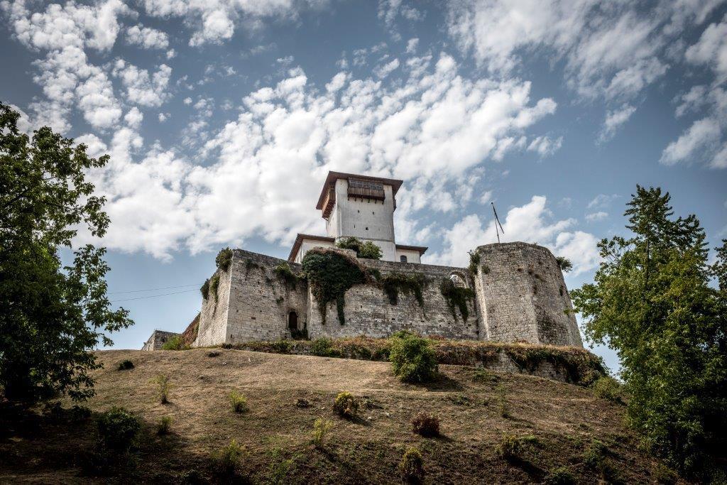 Uskoro počinje obnova Starog grada i Kule Zmaja od Bosne u Gradačcu