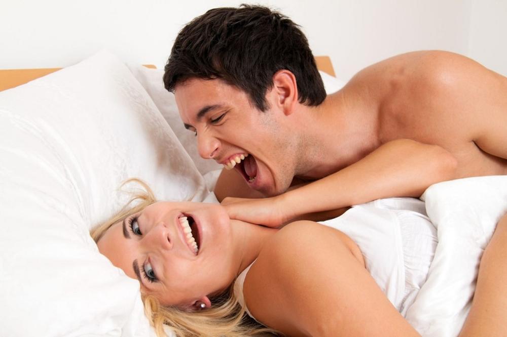 Misionarska poza u seksu se nikada ne odbija i može biti jako zabavna