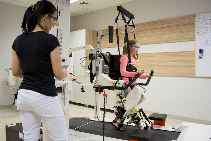 Robot koji će djeci s poteškoćama pomoći da počnu hodati stiže u Banju Luku
