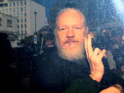 Objavljeno 17 optužnica protiv Juliana Assangea