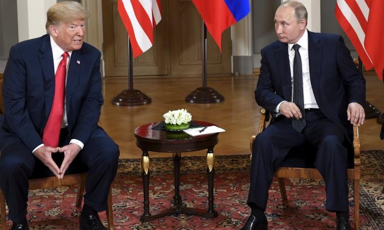 """Trump se našalio s Putinom: """"Ne miješaj se u izbore"""""""