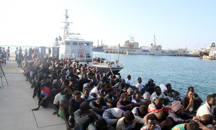 Više od 5.000 migranata iz Libije vraćeno u azijske i afričke zemlje