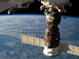 Soyuz-09-capsule-docked-879×485