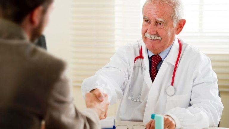 Brojni stariji ljekari u FBiH ostat će bez licence: Da li ima razloga za strah?