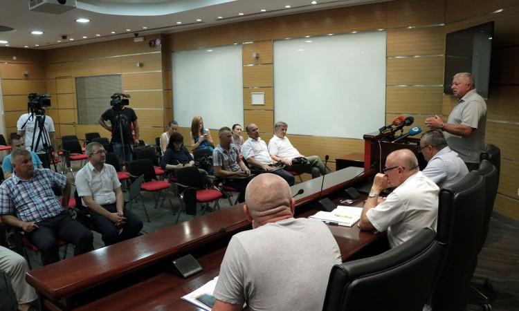 Poljoprivrednici iz Federacije i RS žele zajedno djelovati (VIDEO)