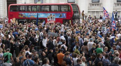 Hiljade ljudi na protestima u gradovima širom Britanije