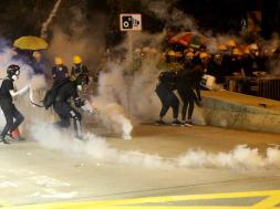 Screenshot_2019-08-03 Protesti u Hong Kongu deveti vikend zaredom, policija koristila suzavac