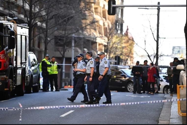 Australija: Tijelo žene pronađeno nakon što je uhapšen muškarac koji je napadao ljude nožem