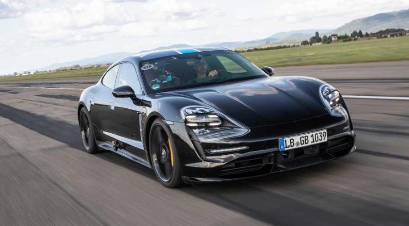 Porscheov prvi električni automobil bit će predstavljen 4. septembra
