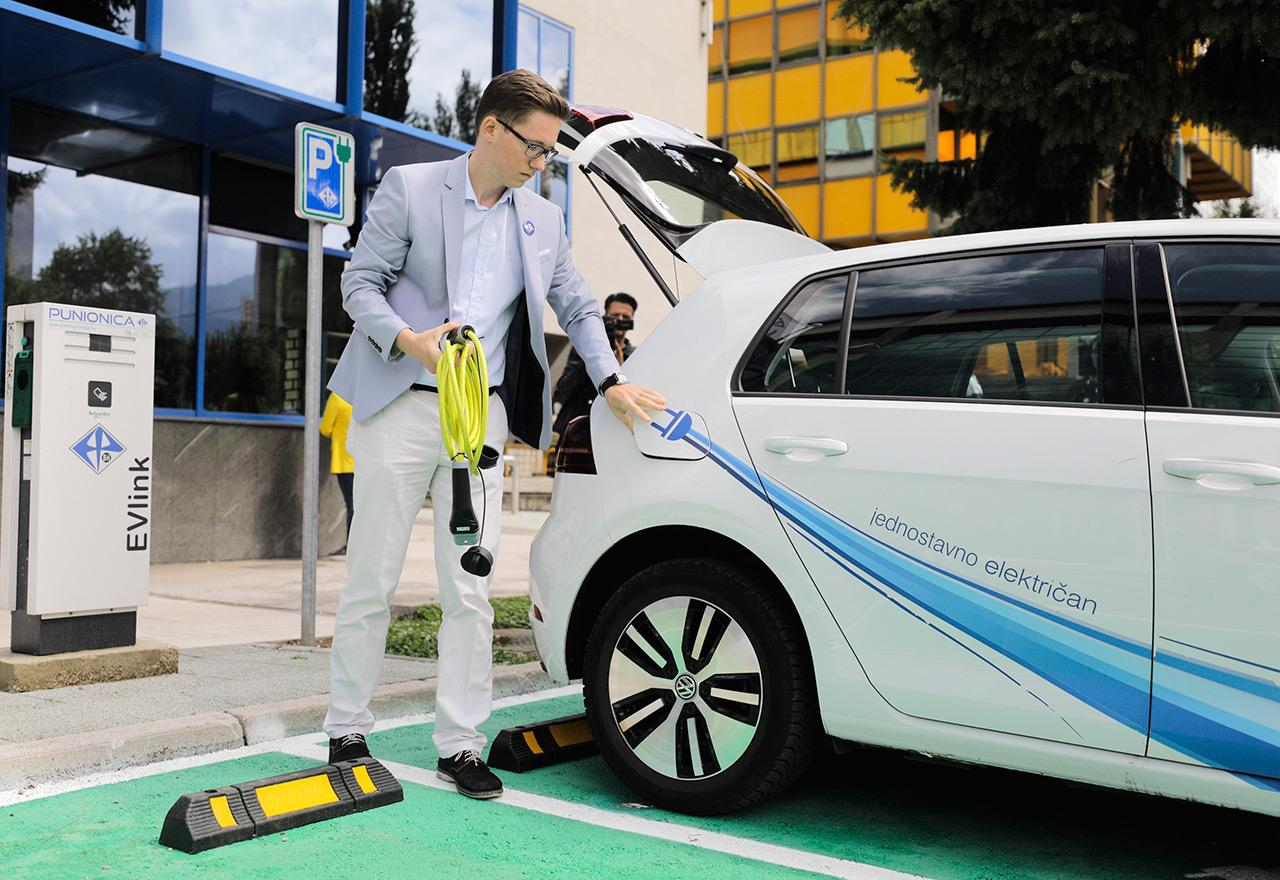 Elektroprivreda BiH predstavila šest novih električnih vozila i punionica koje su besplatne