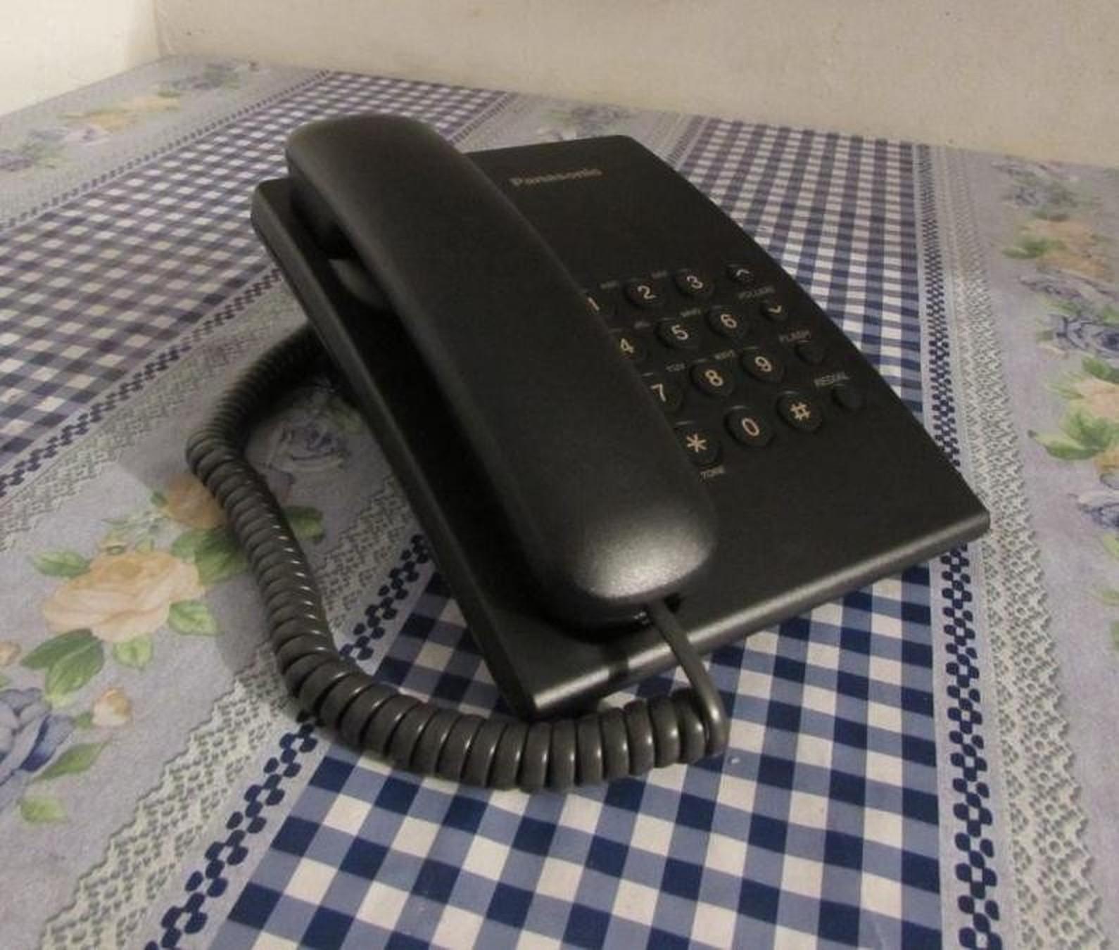 Sve se manje koriste fiksni telefoni i SMS-ovi