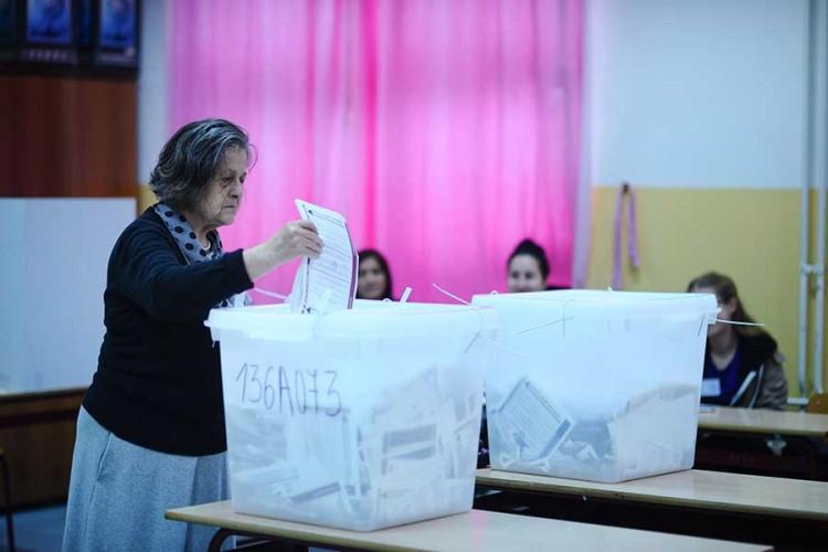 EU želi skenere i kamere na biralištima u BiH