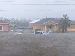 Screenshot_2019-09-03 Uragan Dorian usmrtio pet osoba i uništio 13 000 kuća Bahamima