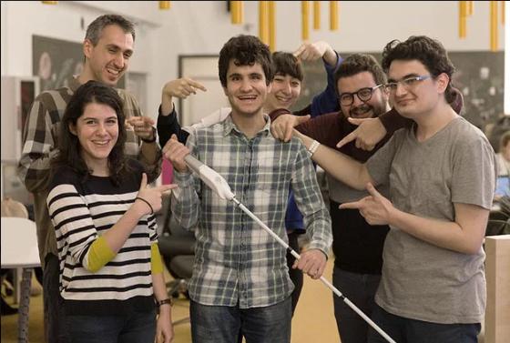 Osmišljen pametni štap koji pomaže slijepim osobama da se kreću pomoću navigacije