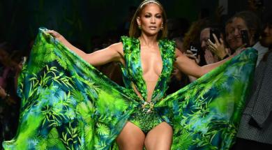 Screenshot_2019-09-21 Jennifer Lopez pokorila modnu pistu u Milanu Nakon 19 godina ponovo nosila svoju slavnu Versace haljinu