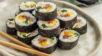 kimbap-korean-sushi-rolls-2118795-Hero-5b7dbdd346e0fb00250718b8