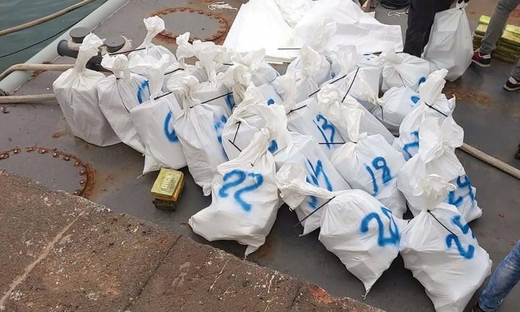 Srpska kriminalna skupina kod Azora uhvaćena s 800 kilograma kokaina