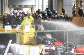 Hong_Kong_protesti_aerodrom_septembra_2019_Xinhua