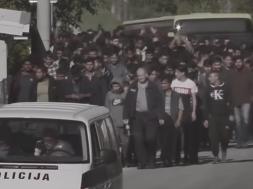 Screenshot_2019-10-16 Policija vodi stotine migranata u kamp Vučjak – YouTube