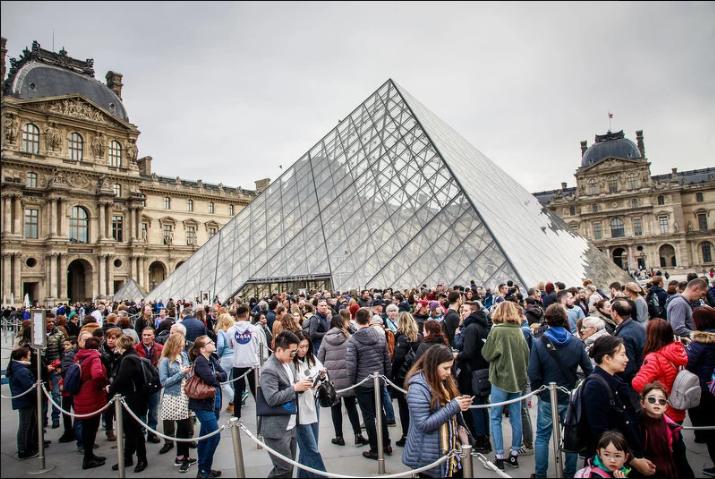 Ogroman interes javnosti za najveću retrospektivnu izložbu Leonarda da Vincija u Louvreu