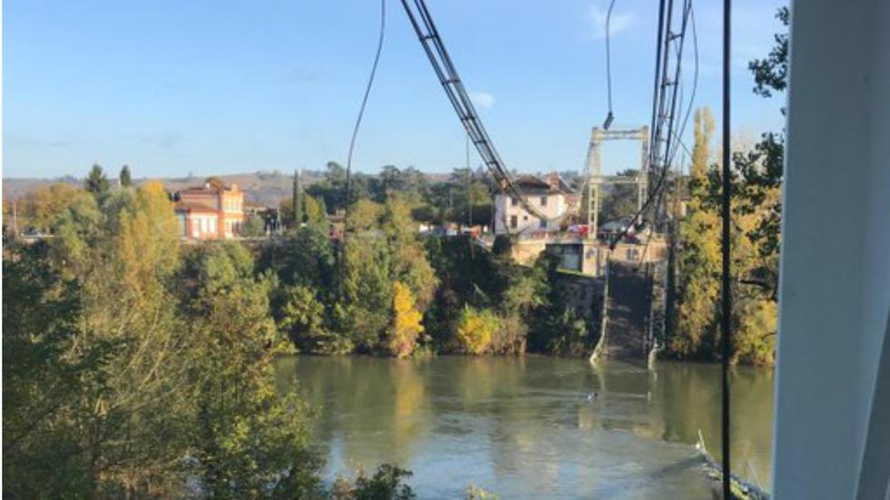 Dvoje poginulih u rušenju mosta u Francuskoj